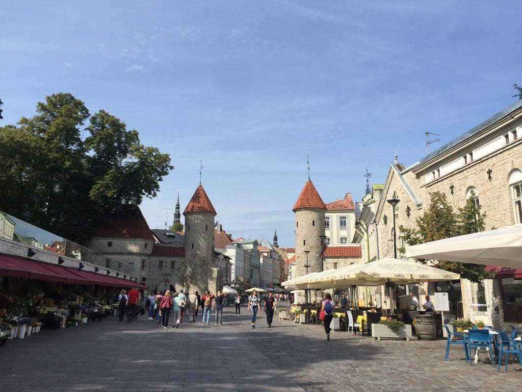simiaroundtheworld_Tallinn_Stadtmauer